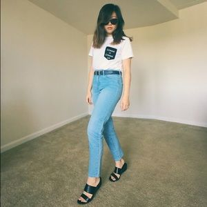 🆕 {{bullhead}} Light Wash Mom Jeans